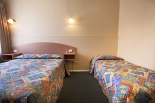 Twin Share Room at Parkville Motel